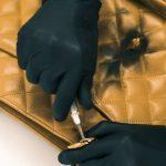 Comment un sac Chanel de 3000 $ est professionnellement restauré