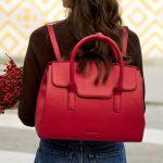 Comment une entreprise a repensé l'UX du sac à main d'une femme